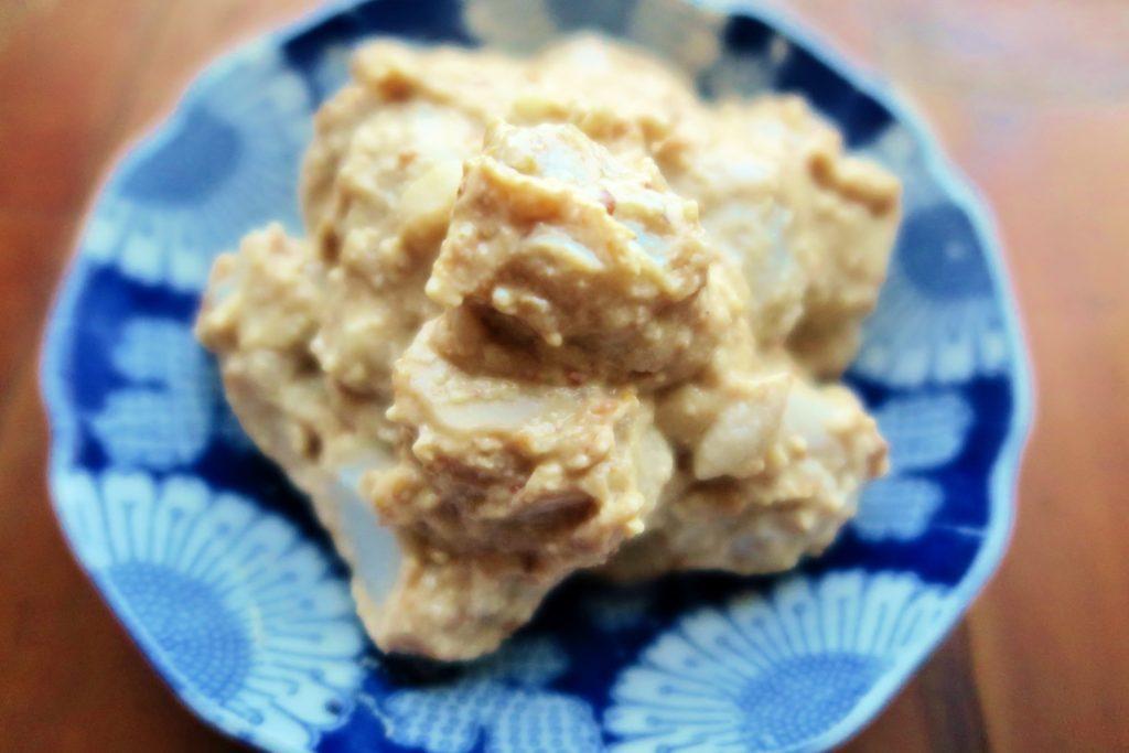 里芋のごま味噌白和え