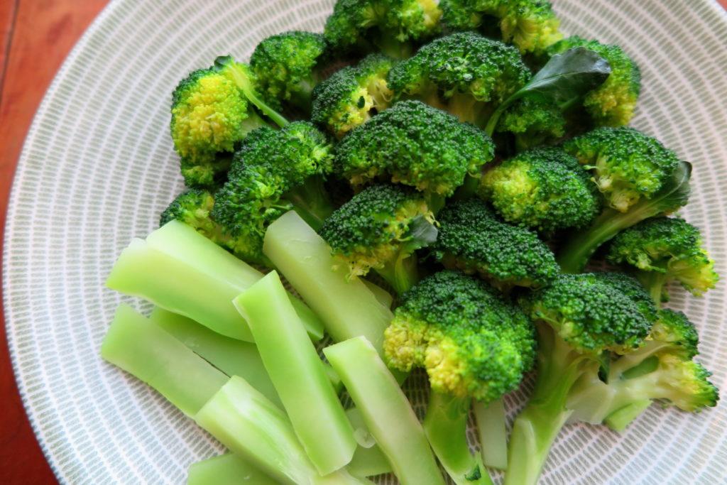 vege8 organic broccoli