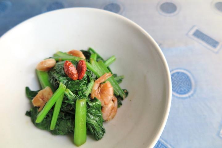 姫海老と有機小松菜の炒めもの